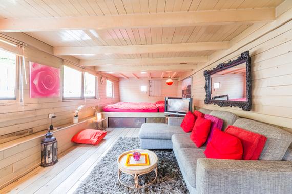 2014-02-21-AmsterdamHouseboat.jpg