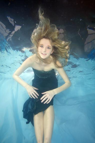 2014-02-28-UnderwaterBride43.jpg