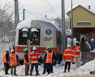 2014-03-01-metronorthtraininsnow.jpg