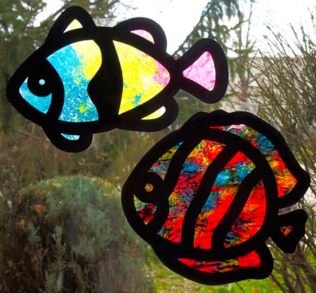 2014-03-03-crayonstainedglasssuncatchercraftfoxes.jpg