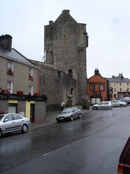 2014-03-05-Gate_Tower_of_Roscrea_Castle.jpg