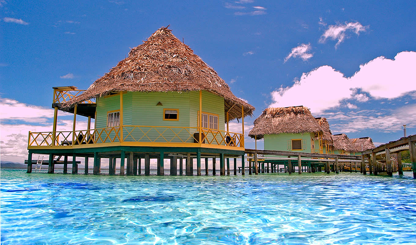 the world 39 s best overwater bungalows outside tahiti huffpost. Black Bedroom Furniture Sets. Home Design Ideas