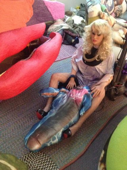 2014-03-08-barbie_penis.jpg