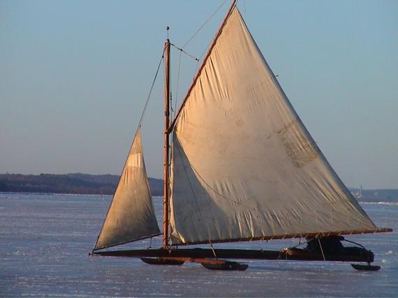 2014-03-09-iceboatinghudsonriver.JPG