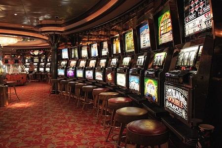 2014-03-10-Casino_huffpo.jpg