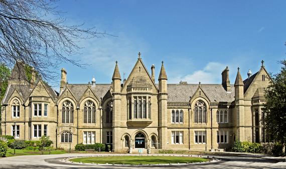 2014-03-13-University_of_Bradford_school_of_management.jpg