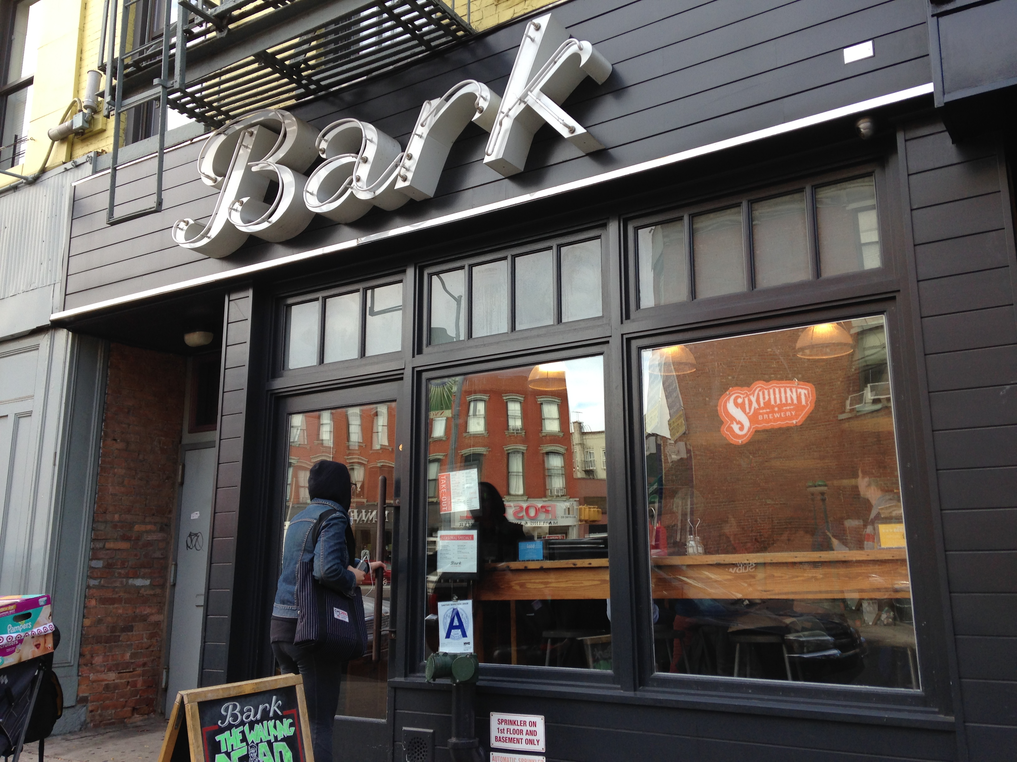 Hook up bars williamsburg