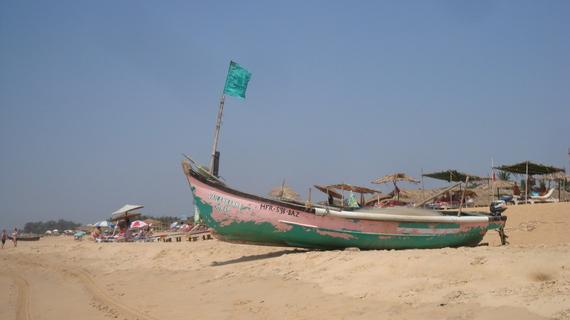 2014-03-13-goacalanguteboat.jpg