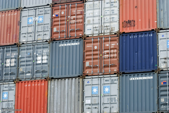 2014-03-18-Shipping_containers_at_Clyde.jpg