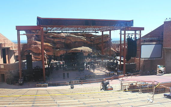 2014-03-20-640pxRed_Rock_Amphitheatre.jpg