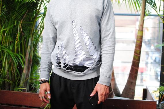 2014-03-24-rippedsweaterdetail.JPG