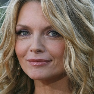2014-03-31-MichellePfeiffer94391331402HP.jpg