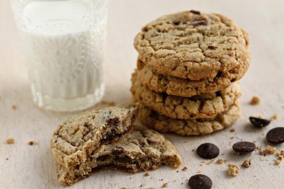 2014-04-02-toffeealmondcookiespicture.jpg