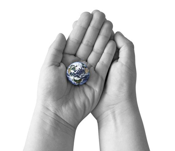 2014-04-03-hands_globe.jpg