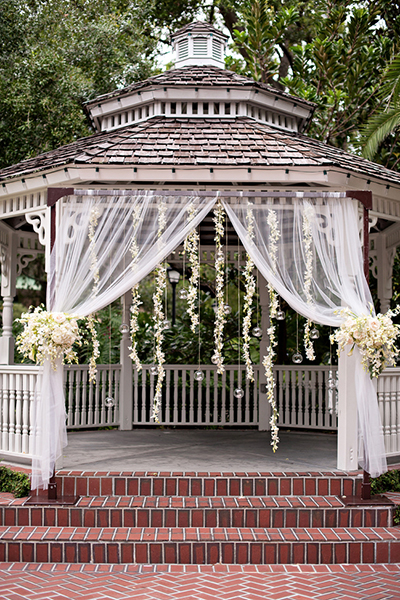 2014-04-04-2weddinggazebo.jpg