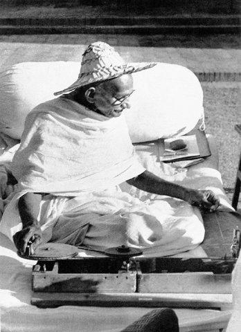 2014-04-04-Gandhi_spinning_Noakhali_1946.jpg