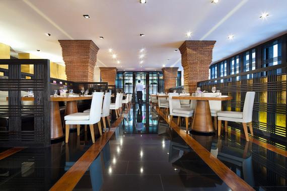 2014-04-04-nahm_Restaurant_Interior.jpg