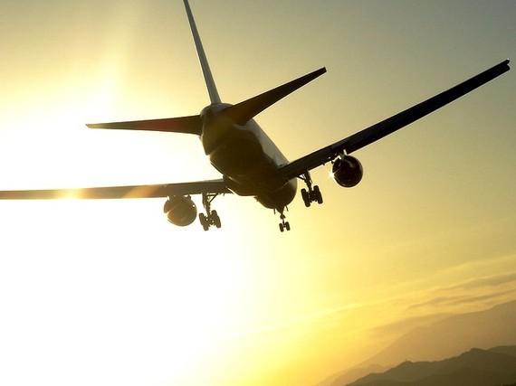 2014-04-07-AirplaneTakeoff.jpg