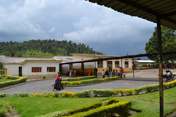 2014-04-08-Photo2Rwandahospitaltoday.JPG