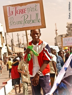 2014-04-08-UNIAlter_Dakar_2011_Lgende.jpg