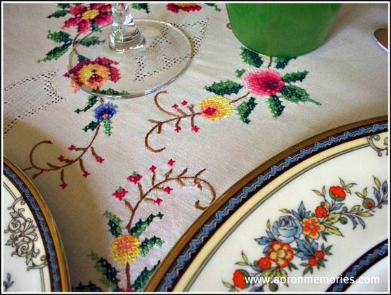 2014-04-10-tableclothcloseupwwwSmall.jpg