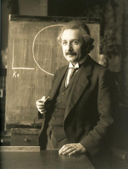 2014-04-11-Einstein_1921_by_F_Schmutzer.jpg