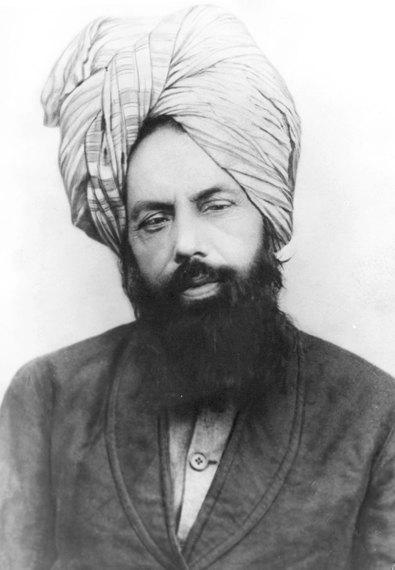2014-04-11-Mirza_Ghulam_Ahmad_c._1897.jpg