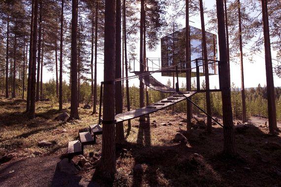 2014-04-14-TreehotelMirrorcube.jpg
