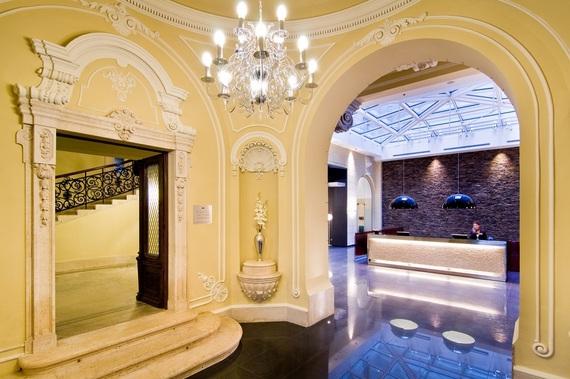 2014-04-14-lobby_palazzozichy.jpg