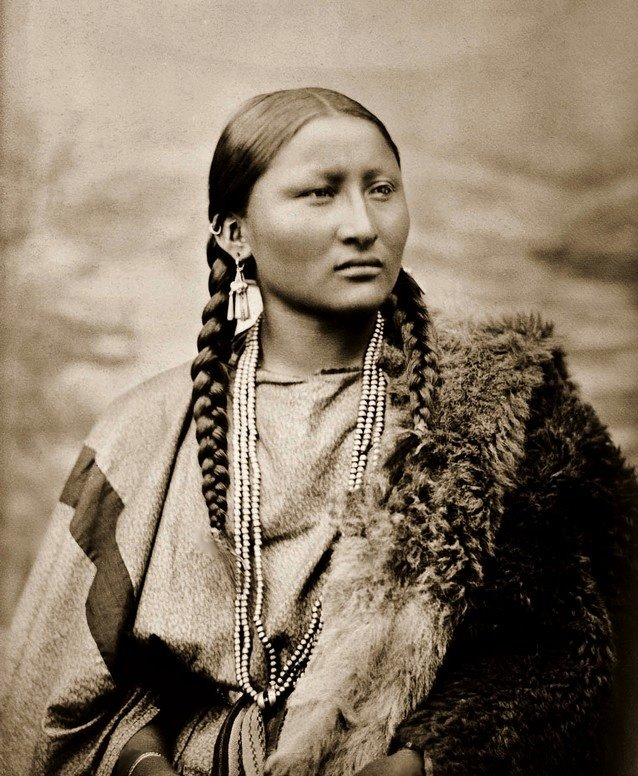 Strange Rare Old Photos Of Native American Women And Children Huffpost Hairstyle Inspiration Daily Dogsangcom
