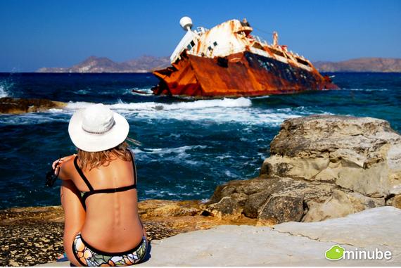 2014-04-16-Shipwrecksmilosnaxos.jpg
