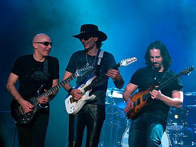 2014-04-17-390pxG3__Joe_Satriani_Steve_Vai__John_Petrucci.jpg