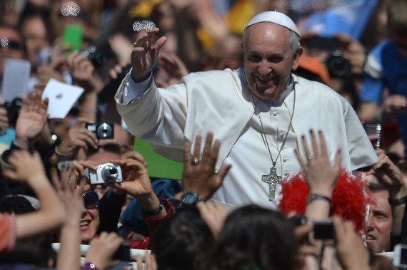 2014-04-21-PopeFrancisatEaster2014slide_346326_3641754_freefromHuffPostblogGettyImages.jpg