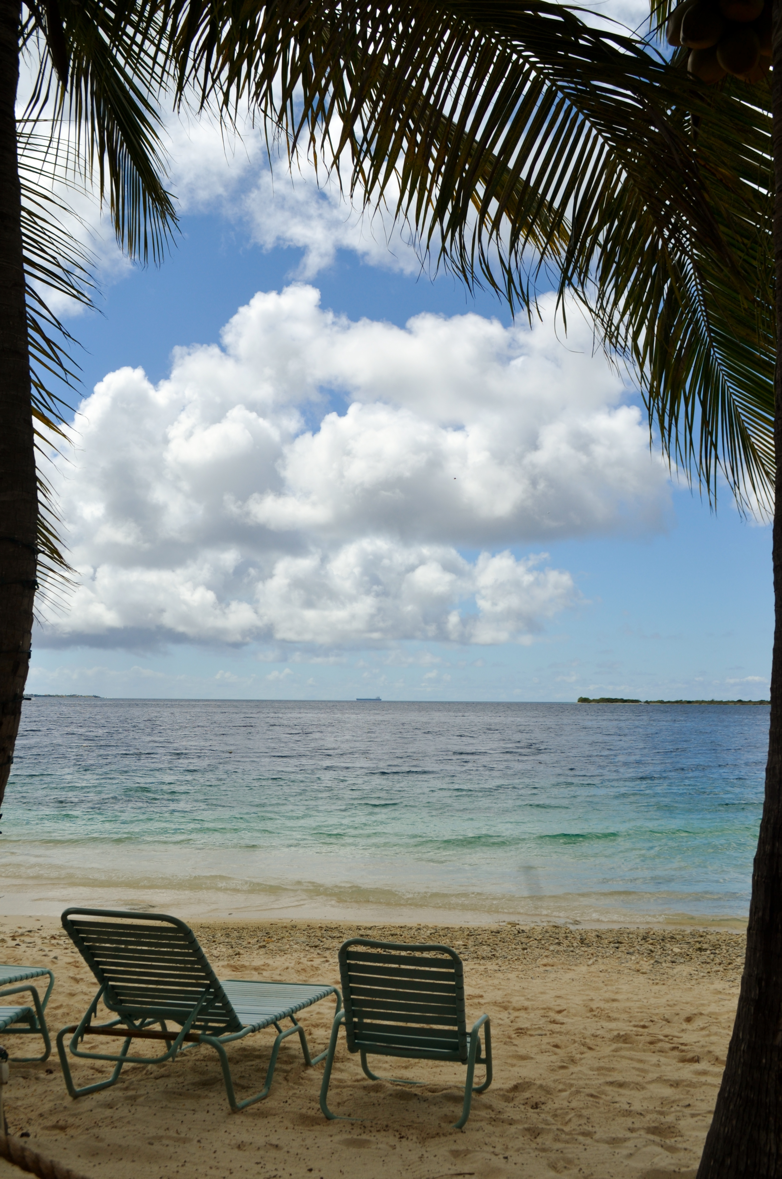 in aruba life 39 s a beach huffpost. Black Bedroom Furniture Sets. Home Design Ideas