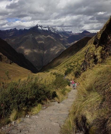 2014-04-24-hikinguptoDeadWomansPass240copy.jpg