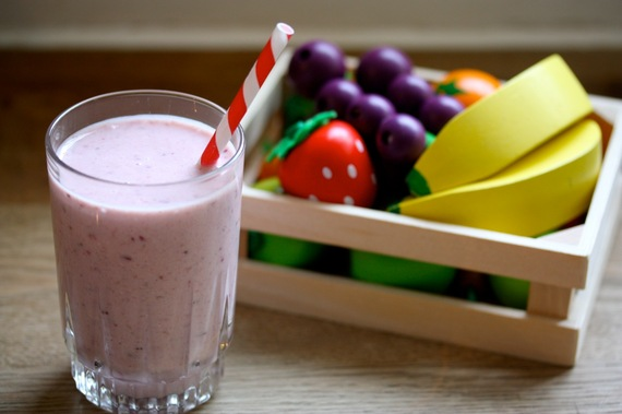 2014-04-27-SmoothiewithoutanybananaLANDSCAPEHollyBell3.jpg
