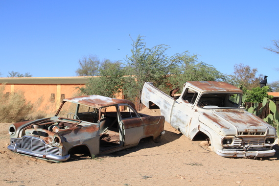 2014-04-28-RUSTEDCARSSOLITAIRE.JPG