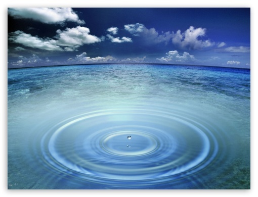 2014-04-28-a_drop_of_water_in_the_oceant2.jpg