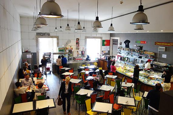 2014-04-28-coimbracafeteria.jpg