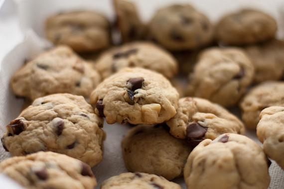 2014-04-29-1280pxWalnut_chocolate_chip_cookies_May_20091024x682.jpg