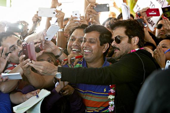 2014-04-29-BollywoodairportKapoor.jpg