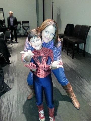 2014-04-30-JorgeVega_SpidermanSuit_Woman1.jpg