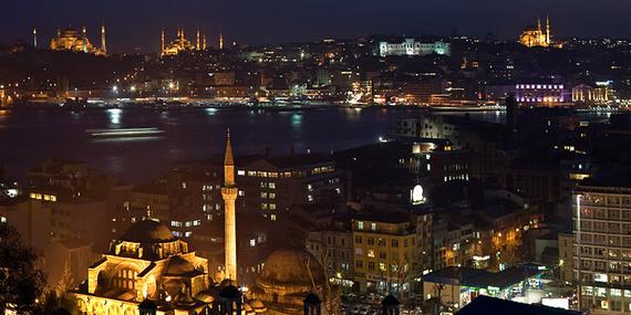 2014-05-01-IstanbulatNight.jpg