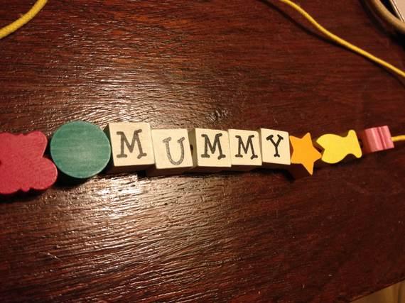 2014-05-01-mummybracelet.jpg