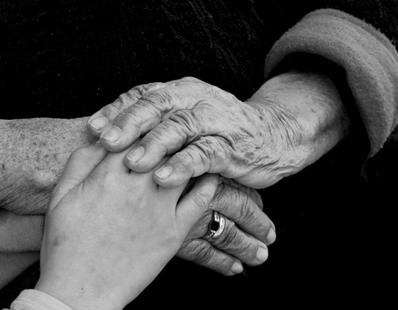 2014-05-02-grandmother_hands.jpg