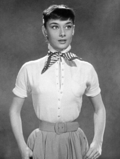 2014-05-04-Audrey_Hepburn_screentest_in_Roman_Holiday_trailer.jpg