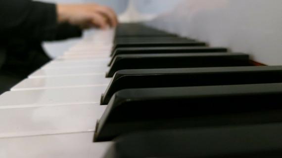2014-05-04-piano186884_1920.jpg