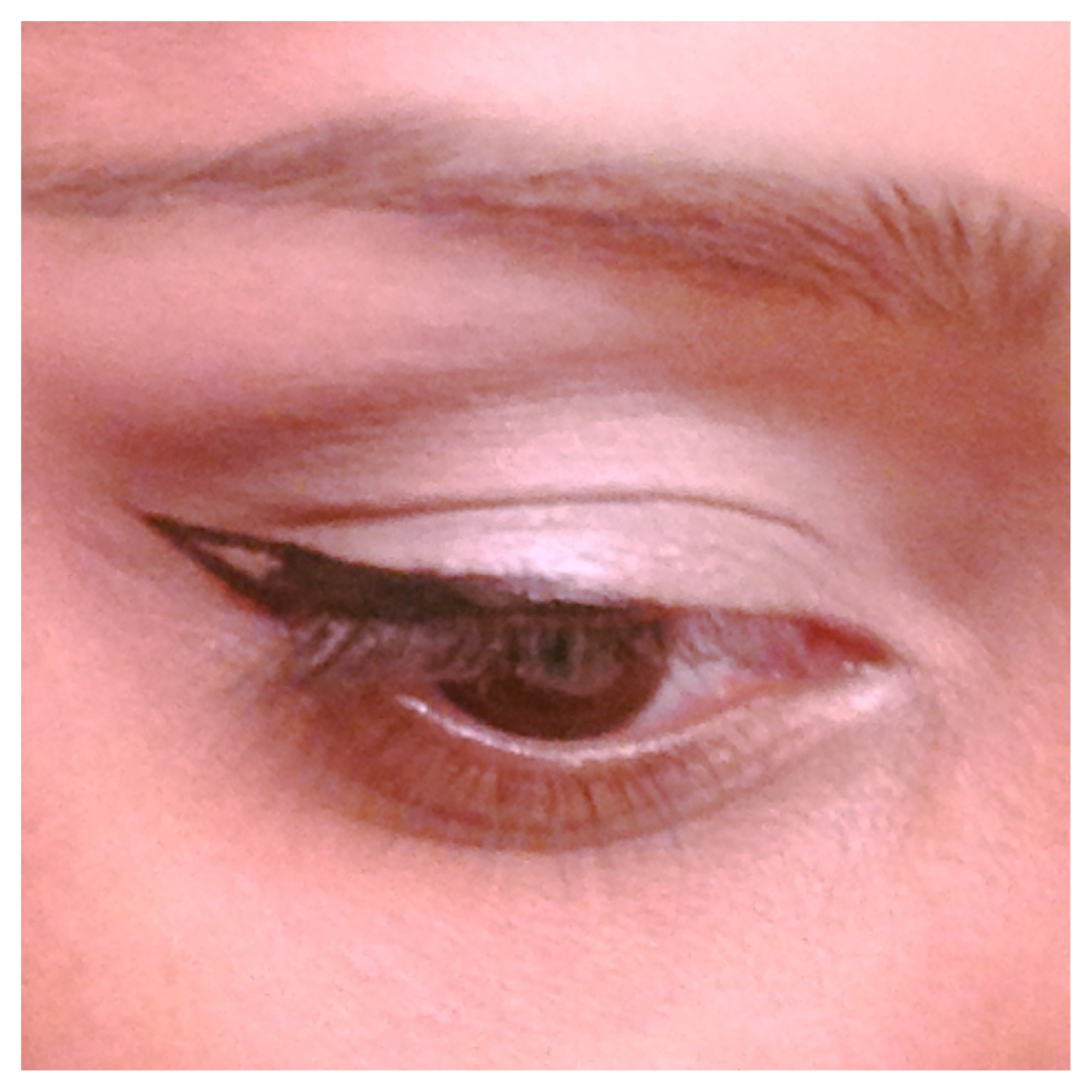 10 Steps To Create The Perfect Cat Eyeliner Huffpost Life