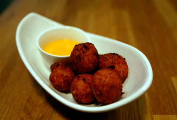 2014-05-08-LouroSeafoodFritters2.jpg