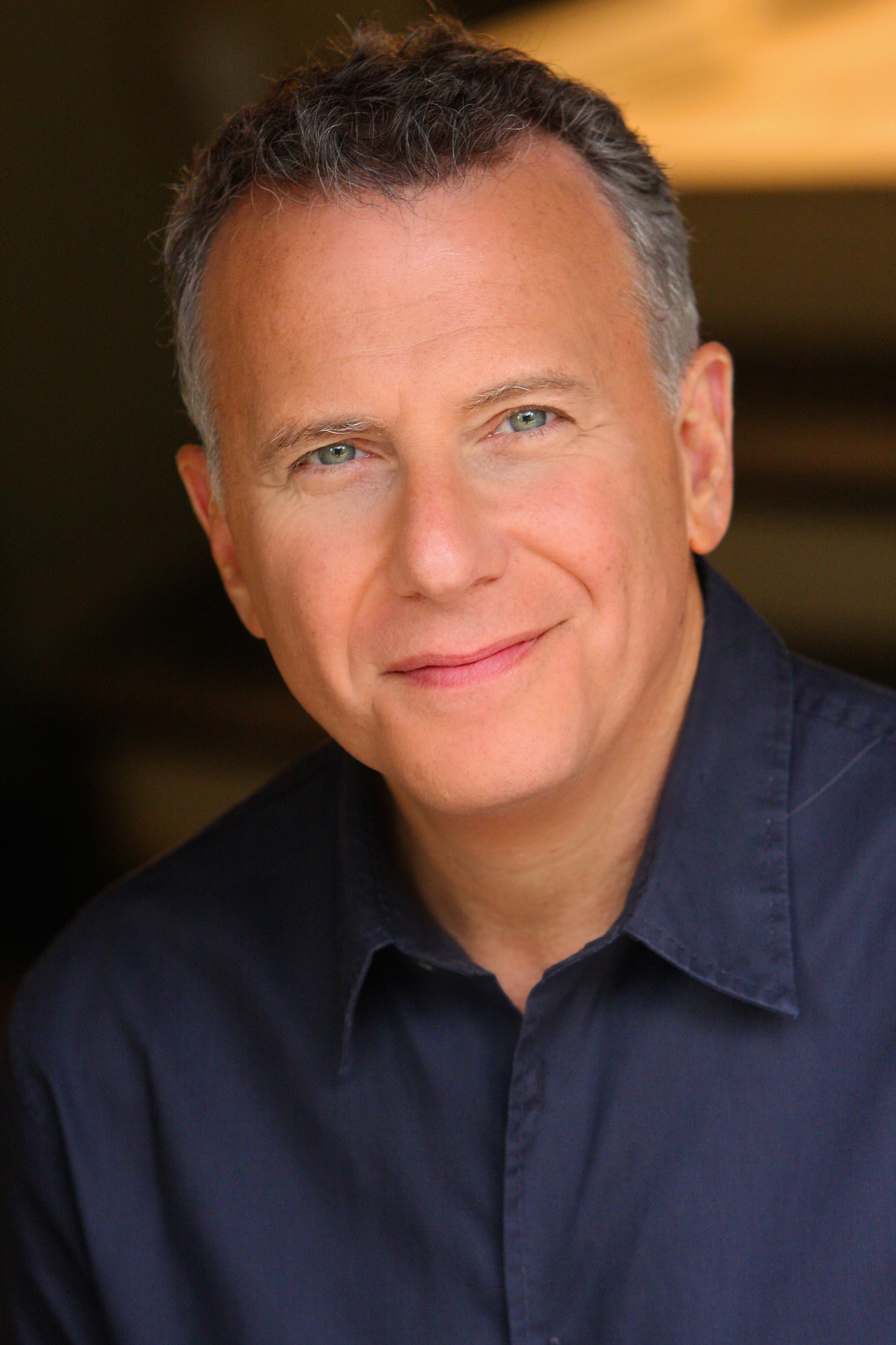 The 61-year old son of father Sam Reiser and mother Helen Reiser, 178 cm tall Paul Reiser in 2018 photo
